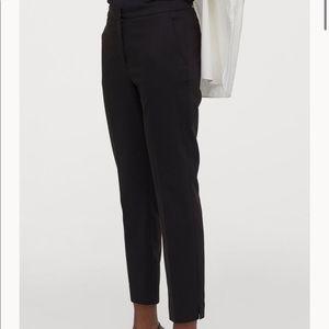 Black H&M cropped slacks NWT